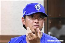 旅美投手王建民擔任富邦悍將二軍客座教練。 (圖/記者林敬旻攝)