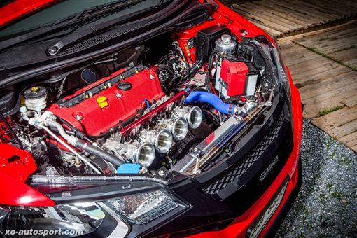K系紅頭上身Honda Fit GK5 沒有很高 337hp而已(圖/車訊網)