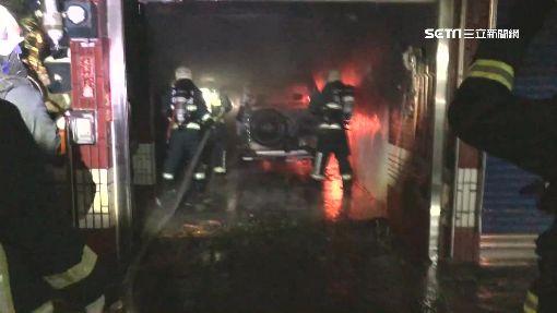 民宅深夜傳火警 住戶3人一度受困頂樓待救