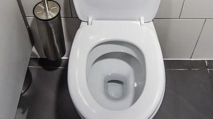 民宿老闆工尋人外遇小妹掃廁所 但是…