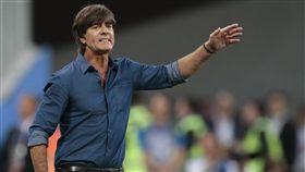 世足熱身賽總算贏球,德國腳被自家球迷噓。(圖/美聯社/達志影像)