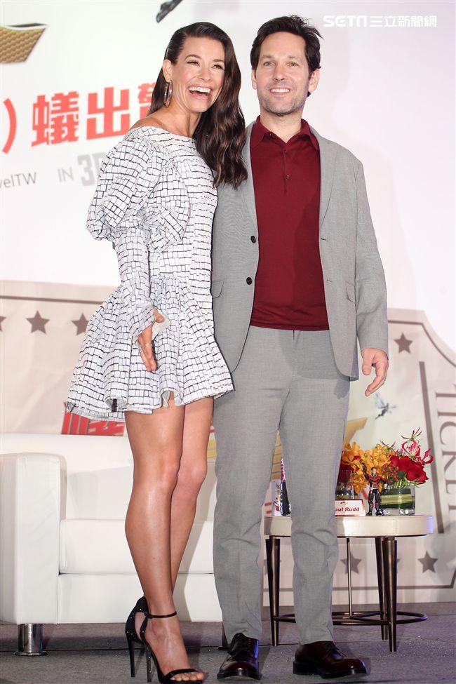 「蟻人與黃蜂女」男女主角保羅路德、伊凡潔琳莉莉來台宣傳。(記者邱榮吉/攝影)