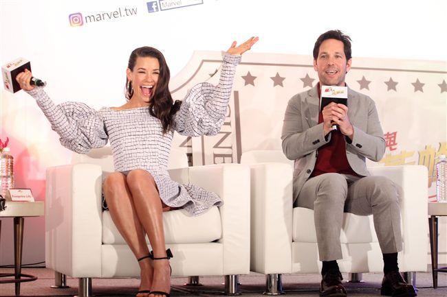 「蟻人與黃蜂女」男女主角保羅路德、伊凡潔琳莉莉來台宣傳,放話要把台北101變台北1。(記者邱榮吉/攝