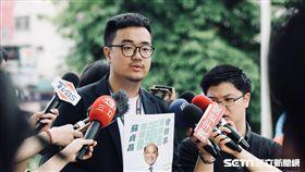 蘇貞昌競選辦公室發言人黃韋鈞批評,侯友宜說一套做一套謀取暴利。(圖/蘇貞昌辦公室提供)