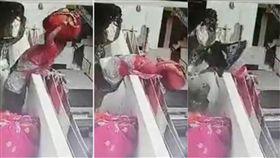 頭頂,印度,Surat,蘇拉特,婦人,避讓,墜樓,意外,包裹,圍牆, 圖/翻攝自LiveLeak https://goo.gl/qhhDJE
