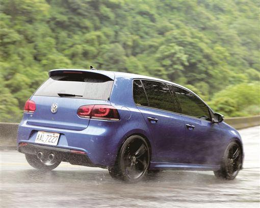 乾濕兼顧全方位高性能 Continental SportContact 6/車訊