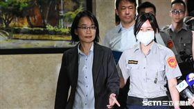 北農總經理吳音寧前往北檢接受偵訊。 (圖/記者林敬旻攝)