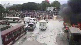 不滿經濟特區法案!平順省發生暴動 越南:將嚴懲帶頭分子 圖/翻攝推特