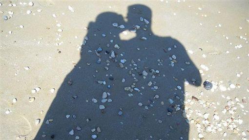 情侶,親吻,交往,男朋友,女朋友,接吻(圖/翻攝自Pixabay)