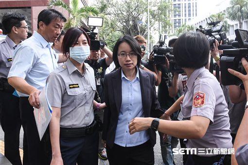 北農總經理吳音寧接受偵訊後離開北檢。 (圖/記者林敬旻攝)