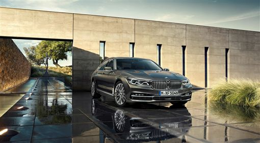 BMW大7系列創新旗艦版。(圖/BMW提供)