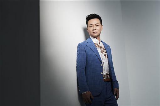 ▲陳隨意近日發行新專輯《愛你若性命》。(圖/豪記唱片提供)