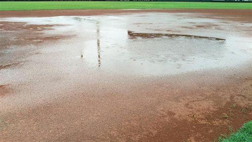 澄清湖球場延賽。(圖/中華職棒提供)