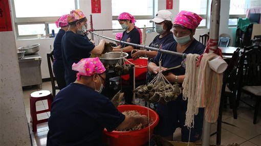 台北,消防局,志工媽媽,粽子,端午。翻攝畫面