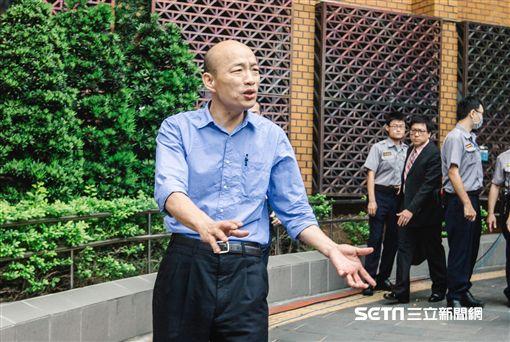北農前總經理韓國瑜應訊後離開北檢。 (圖/記者林敬旻攝)