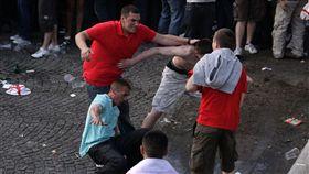 防足球流氓鬧事,英禁逾千名問題人士赴俄。(圖/美聯社/達志影像)