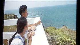 澎湖科大學生拍攝微電影 宣揚澎湖之美澎湖科技大學14日發表「心錄.歷程」3部旅遊映像美學微電影,每部片長約8分鐘,其中擔任「打開想像自在飛翔」男女主角的兩名同學,也從電影拍攝過程中,感受到澎湖是一個非常淳樸、放鬆的好所在。中央社 107年6月14日