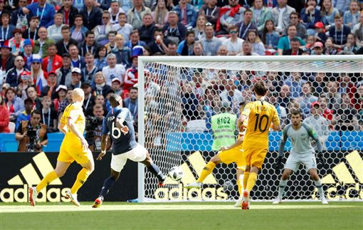 博格巴為法國踢入致勝球。(圖/路透/達志影像)