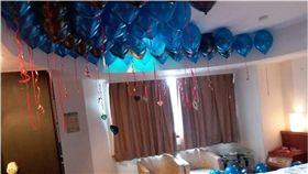 開房狂歡留「滿天花板氣球」 飯店員工崩潰:有夠難清! 圖/翻攝臉書