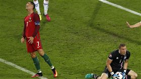 C羅(Cristiano Ronaldo)2016歐洲國家盃時也曾遭冰島守死。(圖/美聯社/達志影像)