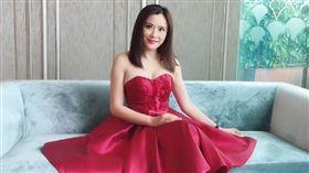 香港女星張文慈上電台提到為錢拍三級片的過往。(翻攝微博)