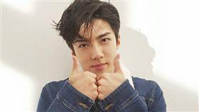 EXO,世勳/翻攝自EXO臉書