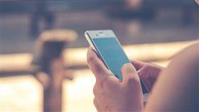 手機,低頭族(示意圖/翻攝自Pixabay)