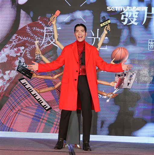 蕭敬騰睽違四年個人新專輯「欲望反光」發片。(記者邱榮吉/攝影)