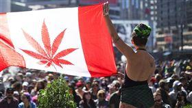 ▲加拿大娛樂用大麻將合法(圖/翻攝自Toronto Star)