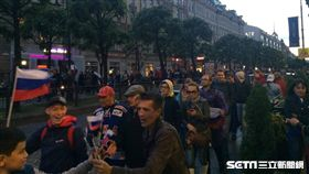 俄羅斯擊敗埃及,聖彼得堡群眾上街狂歡。(圖/讀者提供)