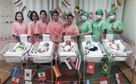 ▲泰國醫院瘋世足,為新生寶寶穿小球衣喜迎世界盃。(圖/翻攝自泰國網臉書)