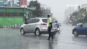 嘉警狂淋雨1200