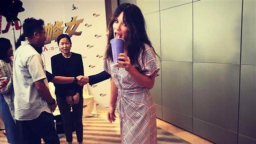 ▲伊凡潔琳莉莉念念不忘台灣珍珠奶茶。(圖/翻攝自IG)