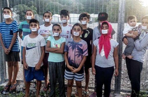 您認為澳洲政府應不應該將難民送至台灣接受醫療?