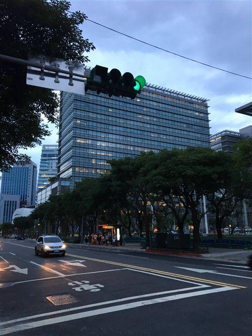 南港,台北,發展,街景,變化,潮,PTT,批踢踢 圖/翻攝自PTT