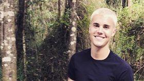 小賈斯汀(Justin Bieber) https://www.facebook.com/JustinBieber/photos/a.96668113887.86286.67253243887/10155428271598888/?type=3&theater