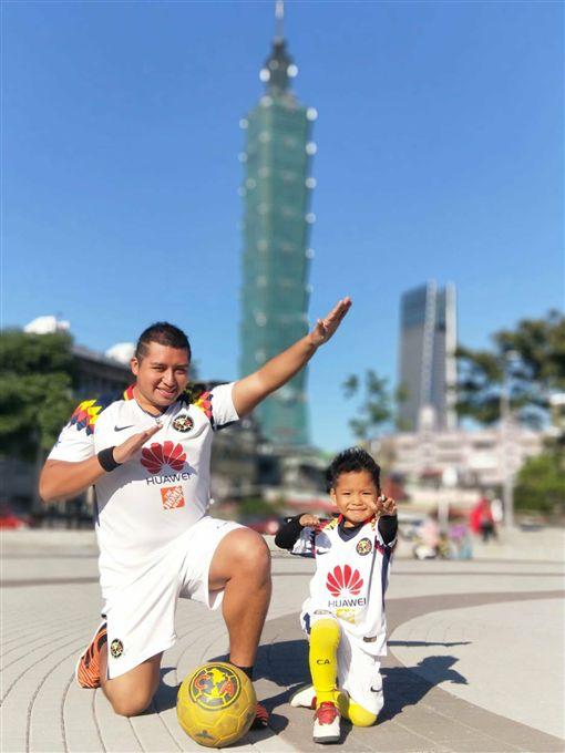 ▲Rm Albert與小孩Ronaldo。(圖/Rm Albert提供)