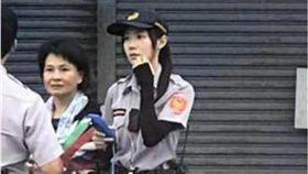 超正女警現身民雄街頭 老司機一句話讓網友全歪樓! 圖/翻攝自爆廢公社