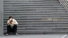 壓力,沮喪,分手,難過,憂鬱,哭泣(圖/攝影者aaayyymm eeelectriik CC License/網址http://bit.ly/2ghCH6x)