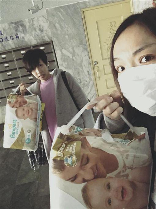 徐佳瑩提尿布被疑有孕/翻攝自臉書
