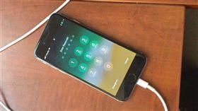 iOS,破解,駭客,漏洞,蘋果,愛瘋,iPhone  圖/翻攝自快科技