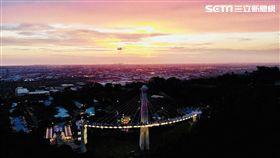 樂器造型,崗山之眼,遊客,高雄市觀光局,音樂會,天空廊道,燈光