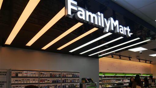 全家,科技概念店,消費,便利商店。(圖/記者馮珮汶攝)
