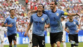 ▲Edinson Cavani踢進烏拉圭第3球。(圖/美聯社/達志影像)