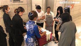 景觀餐廳,美食,百元鈔,台北101,101高空餐盒,頂鮮101,扭蛋,可口可樂