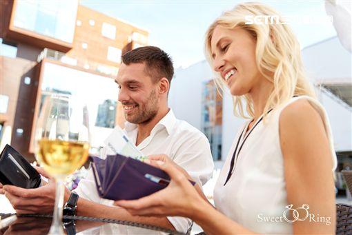婚戀交友,APP,SweetRing,戀情,戀愛,約會,潛規則,AA制,好人卡