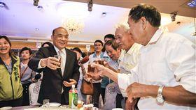 民進黨新北市長參選人蘇貞昌今赴台灣北基水利會,與多位幹部互動熱絡。(圖/蘇辦提供)