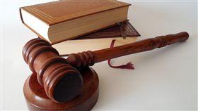 法官,法院,法庭,判刑,上訴,抗告,審判(圖/翻攝pixabay)