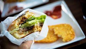 -吃飯-午餐-晚餐-吃-食物-漢堡-三明治-▲圖/攝影者[cipher], flickr CC License(https://www.flickr.com/photos/h4ck/11125864526/)