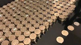 ▲日本一名網友「クソ虫」憑藉超強毅力及撲滿,5年存下100萬日幣。(圖/翻攝自推特)